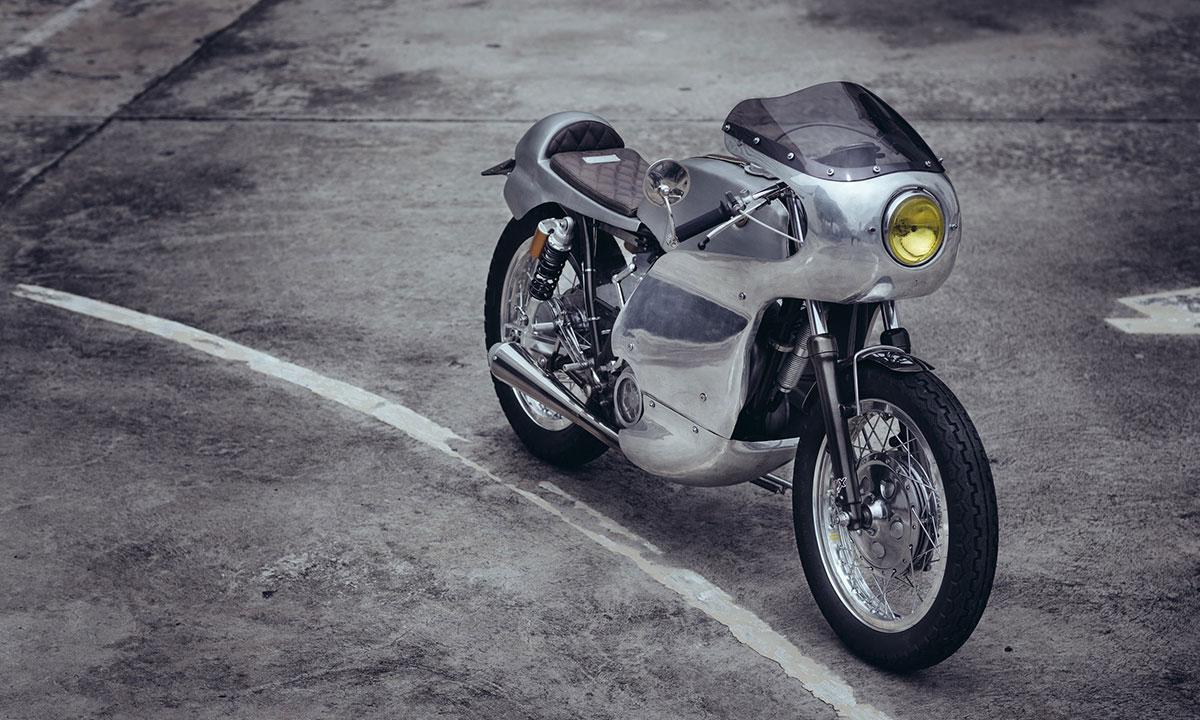 Return of the Cafe Racers - Sunmaster 14 – Omega Racer Yamaha SR400