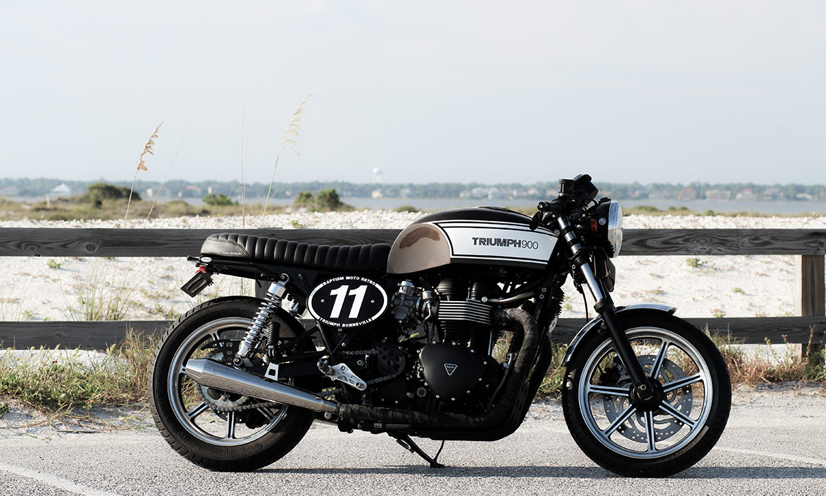Return of the Cafe Racers - Bonneville Test Bed –  Baptism Moto Triumph
