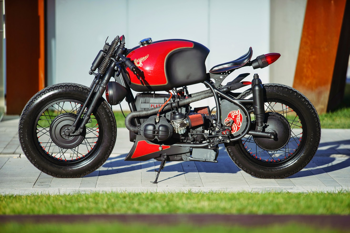 Return of the Cafe Racers - Plasma Customs BMW R65