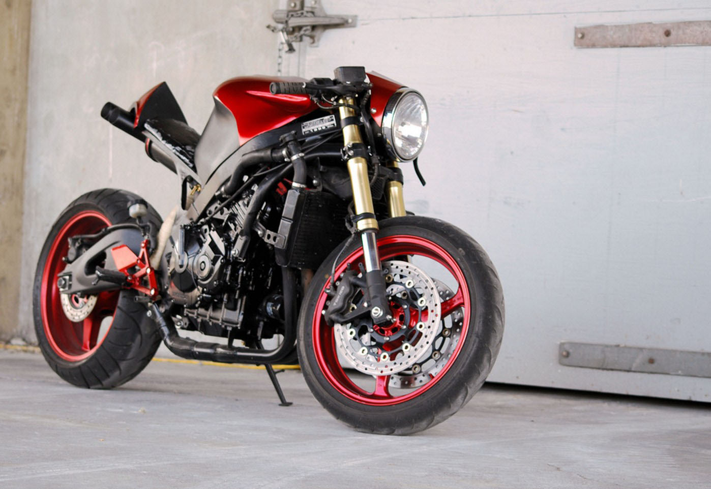 Return of the Cafe Racers - Honda CBR600F3 Street Fighter