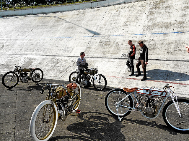 Return of the Cafe Racers - Board Trackers at the velodrome