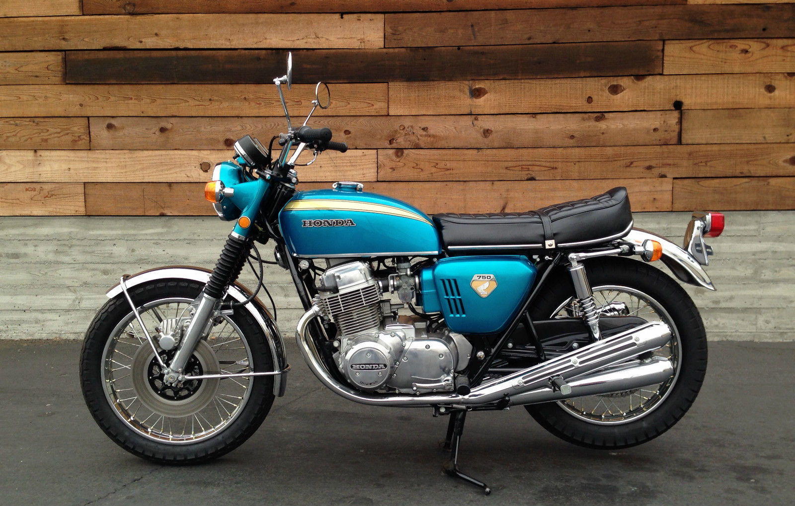 Return of the Cafe Racers - Peace, Grease and the Honda CB750