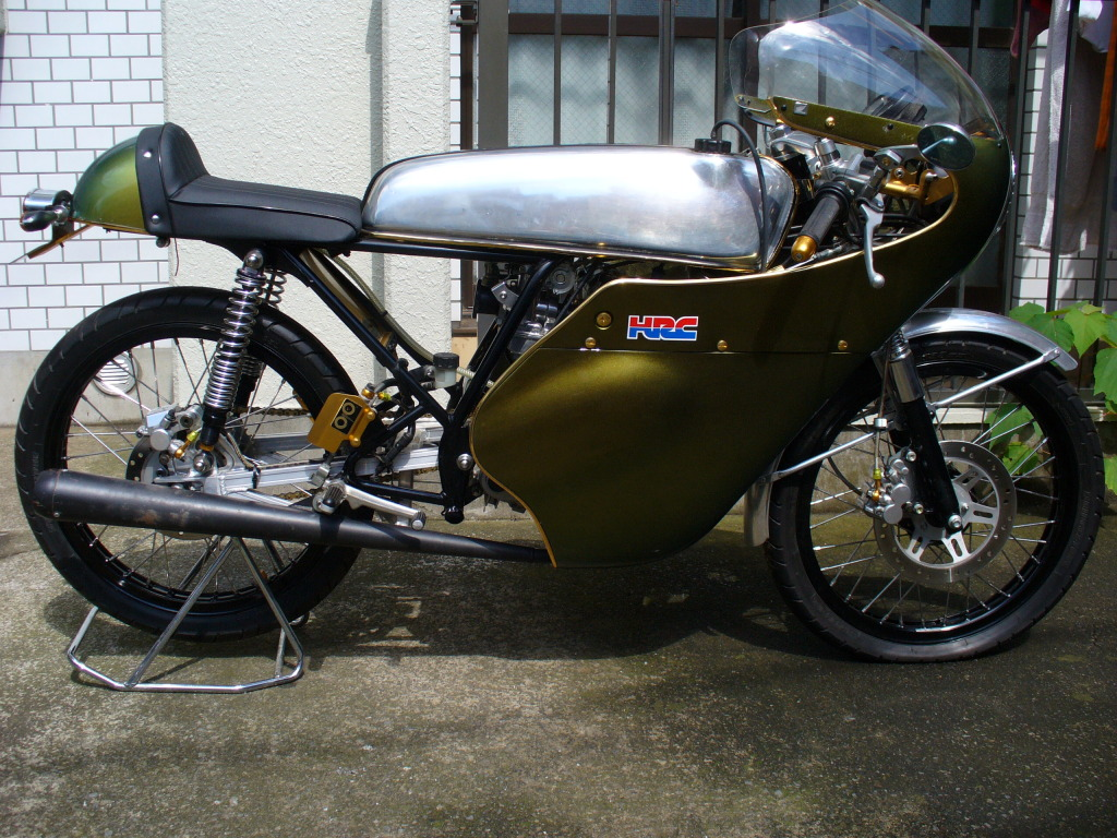 Race Ready 50cc Honda Dream Return Of The Cafe Racers