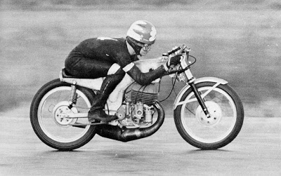 Return of the Cafe Racers - Assume the position – Cafe Racer contortionism