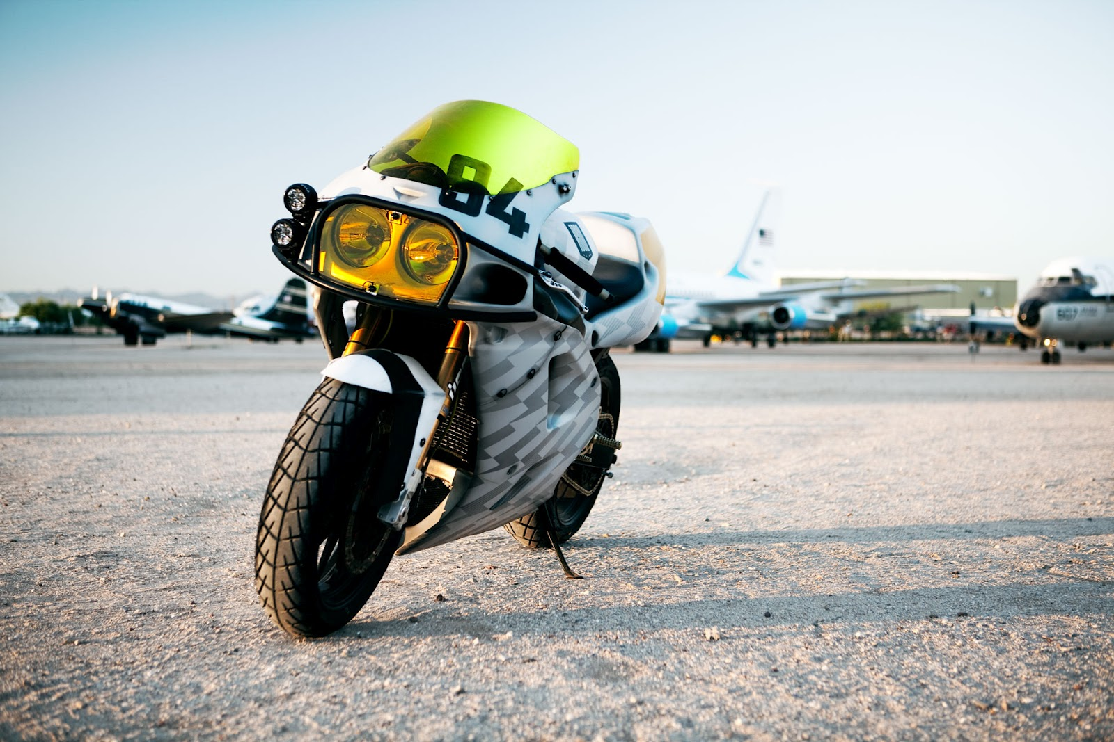 Return of the Cafe Racers - Kawasaki ZX-7 Thunder Chunky