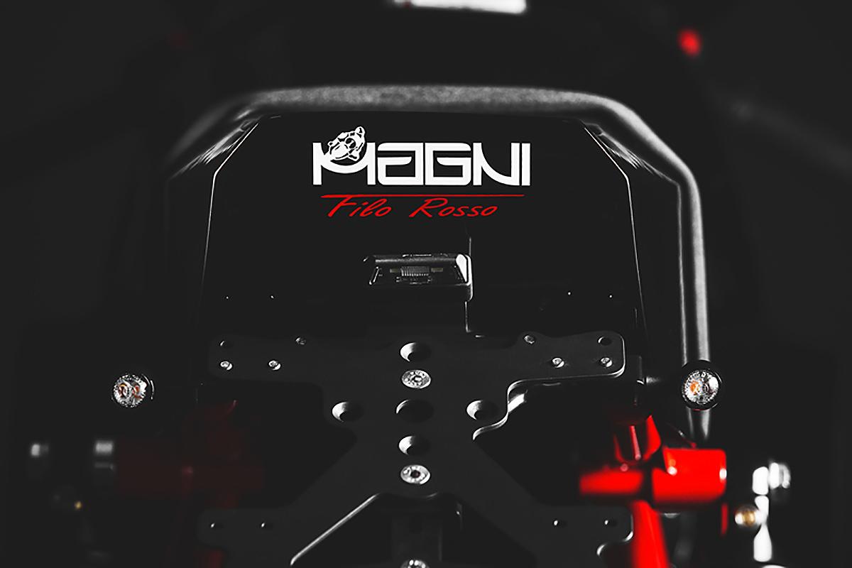 Magni Filo Rosso black edition