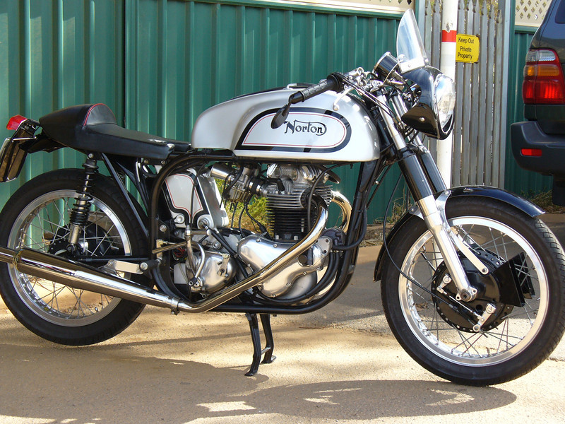 Return of the Cafe Racers - Race Bred – Norton Cafe Racer