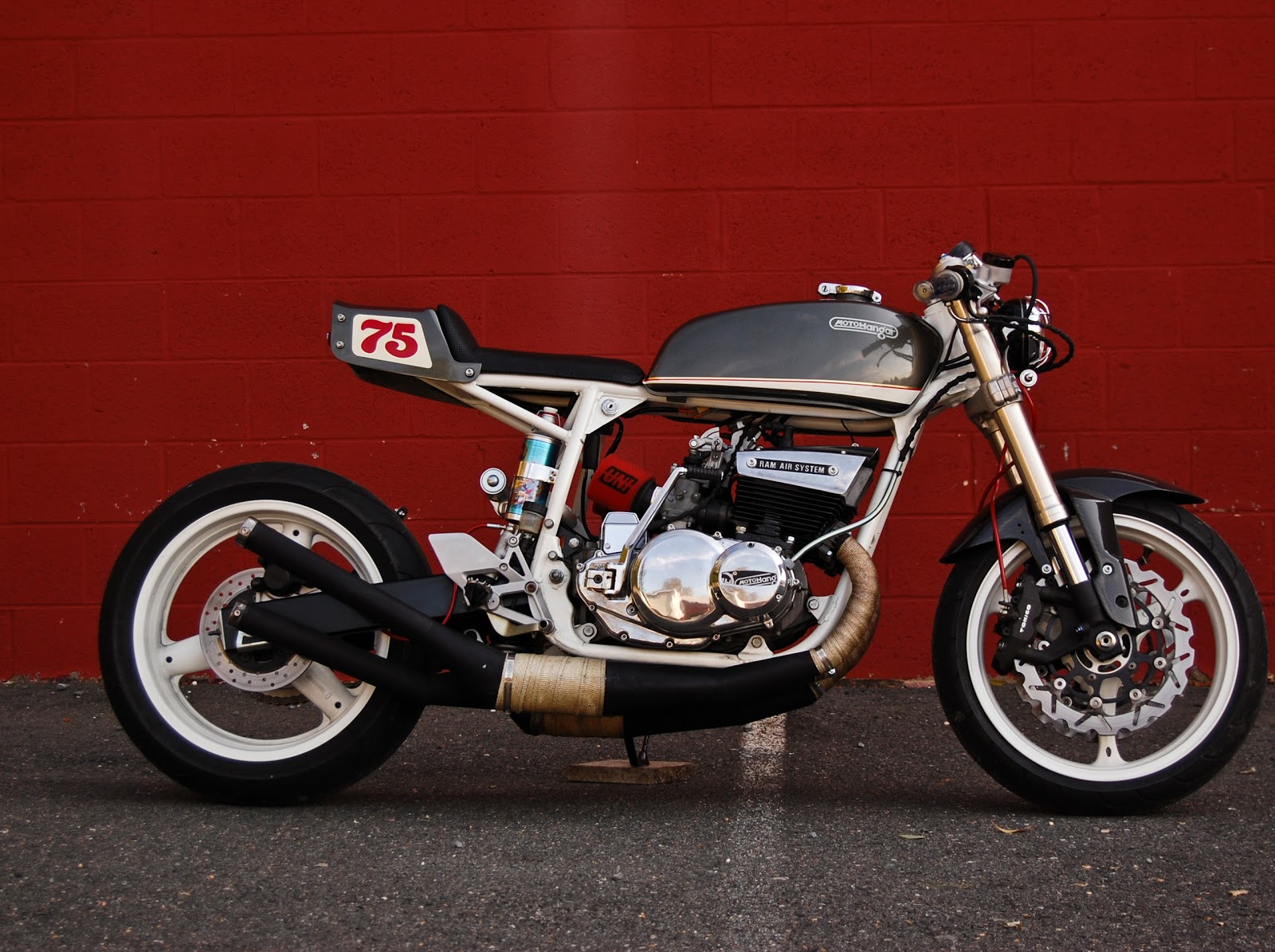 "Return of the Cafe Racers - Suzuki GT550 Cafe Racer ""Honduki"""