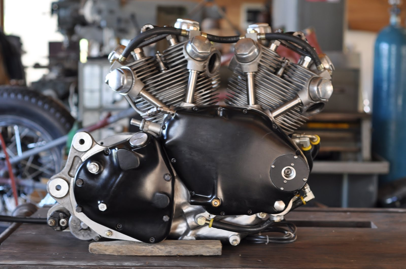 Return of the Cafe Racers - Classic Motorcycle engines
