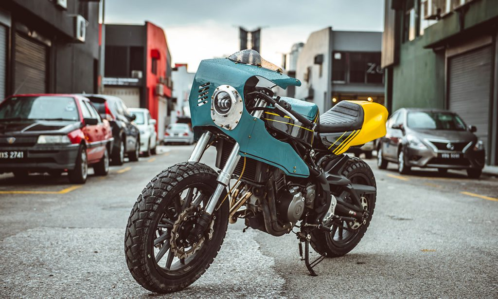 Return of the Cafe Racers - Beautiful Machines Benelli TNT 300