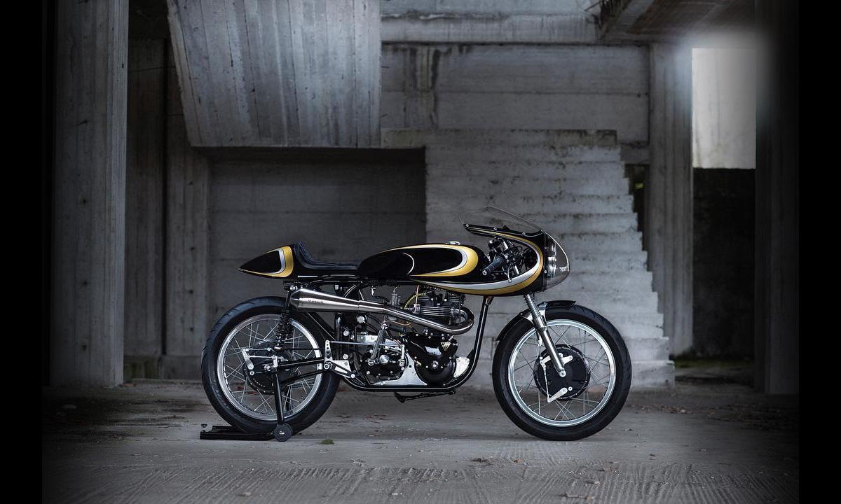 Triton cafe racer stile italiano