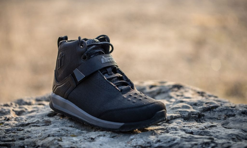 Return of the Cafe Racers - Icon Superduty 5 Motorcycle Boots