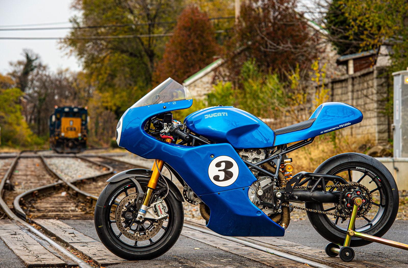 Hendrix Studio Ducati PS1000r 4v