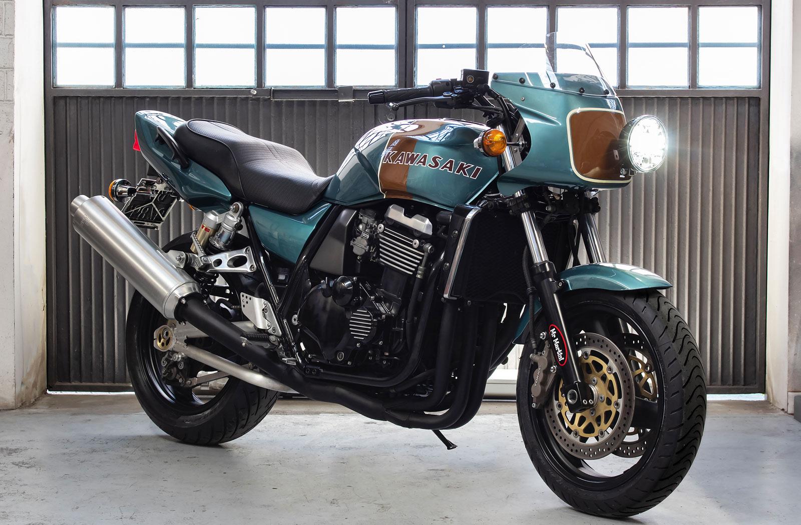 Kawasaki ZXR 1100 retro motorcycle