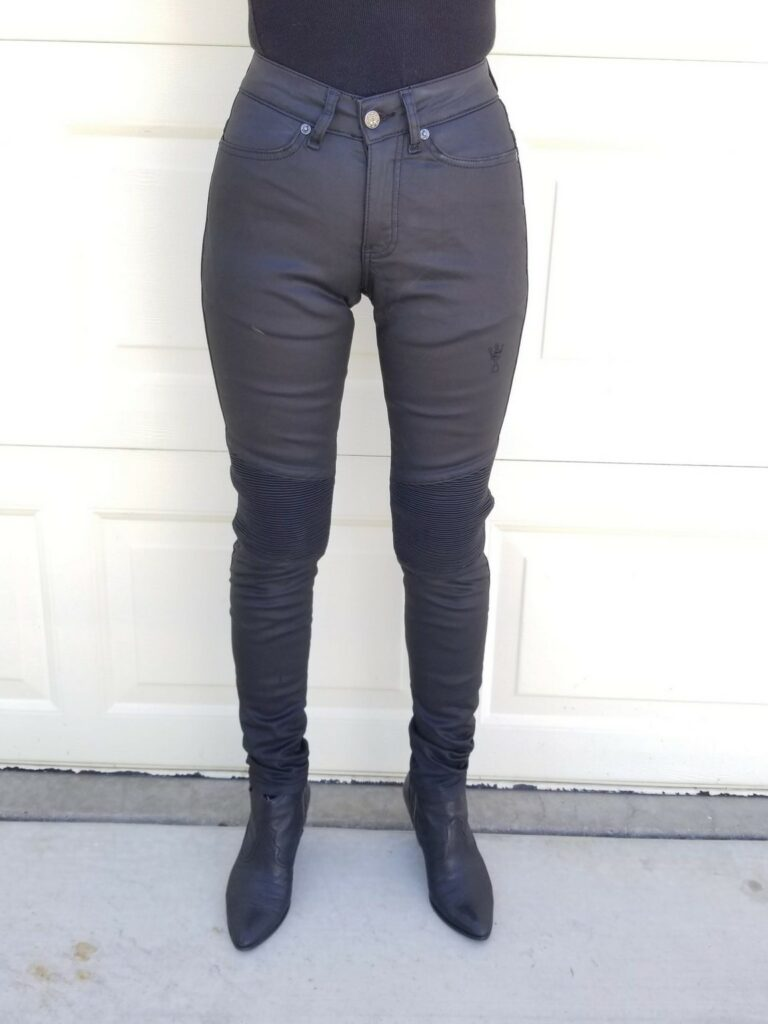 Front view of rider wearing Kusari KEV 02 jeans